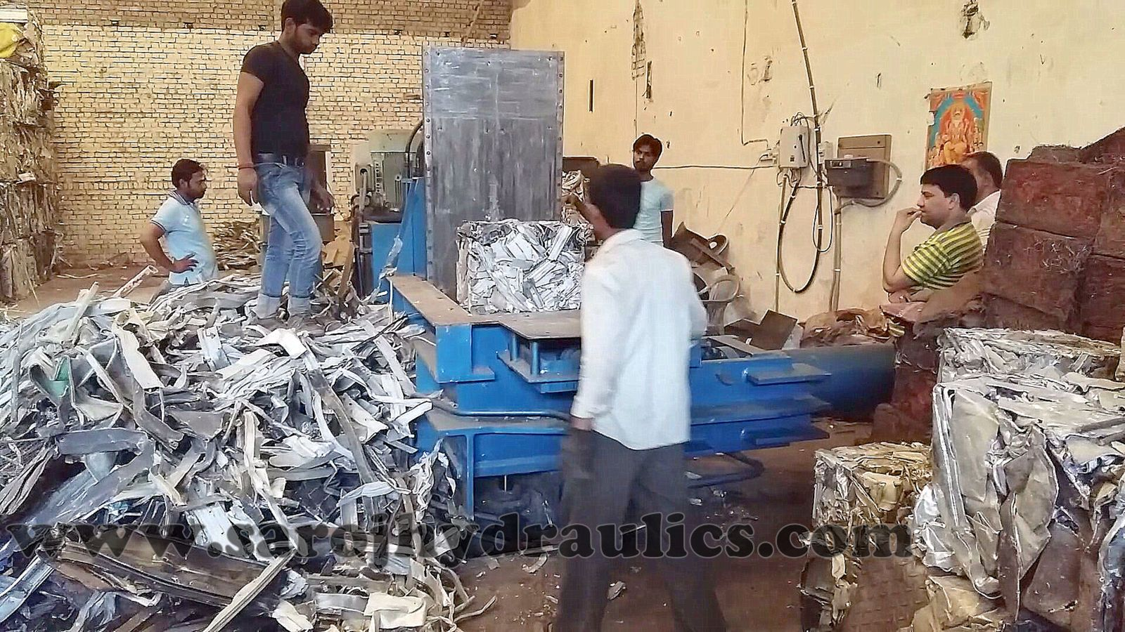 ALUMINIUM SCRAP /Tin Can,manufacturer baling press,Baling machine,hydraulic baling press,baler,hydraulic baling machine,baling press machine,bale press machine,pressing machine(INDIA)