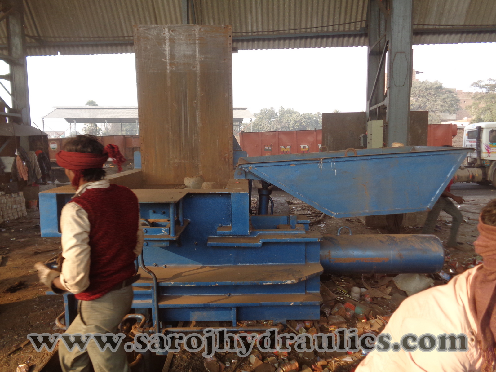 metal baling machine manufacturer of hydraulic waste baling/baler/bale press/pressing machine(manual/automatic baling machine)in (INDIA,new delhi) with competitive price.